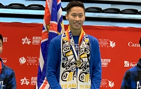 Li earns Badminton Male Singles Gold